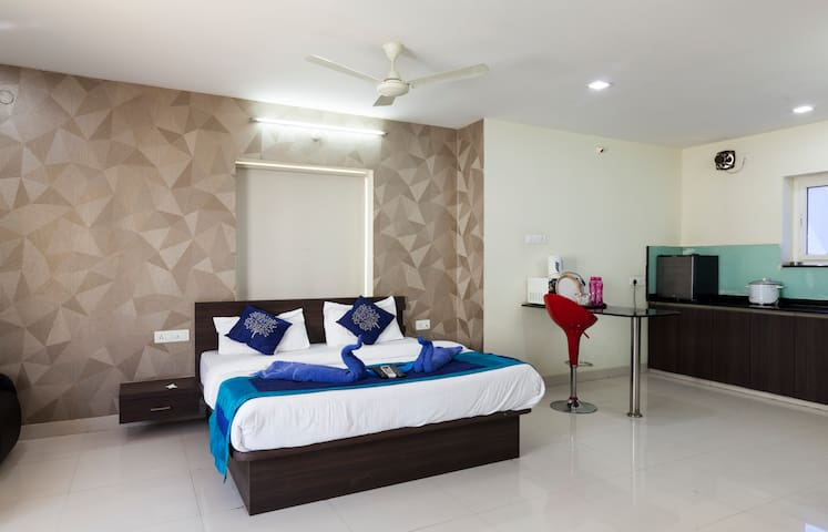 SERVICE APARTMENTs in Kondapur 1bhk