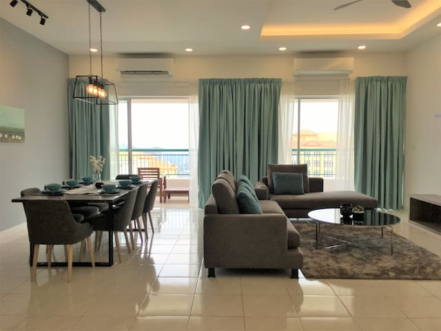 KL Spacious Apartment Mins Away from LRT Station
