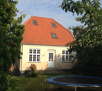 Newly renovated villa with garden - Charlottenlund