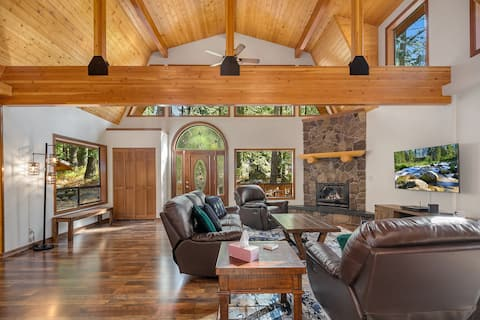 Highlander Lodge - New!-One of a kind family retreat! Slps 30   Gym   Game Room   On Silver Creek