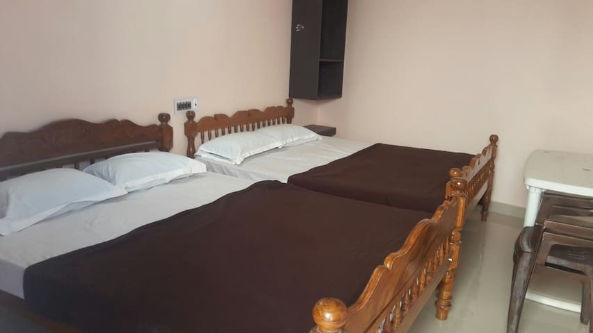 Suite room for 6 adults.. - Puducherry - Apartemen