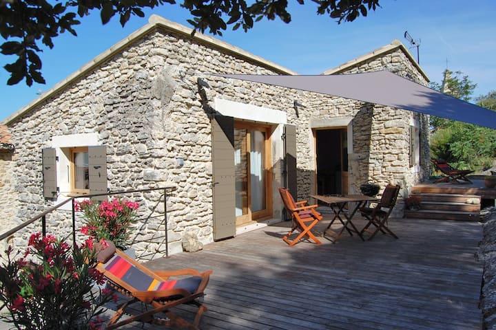 La Case : petite maison de Provence