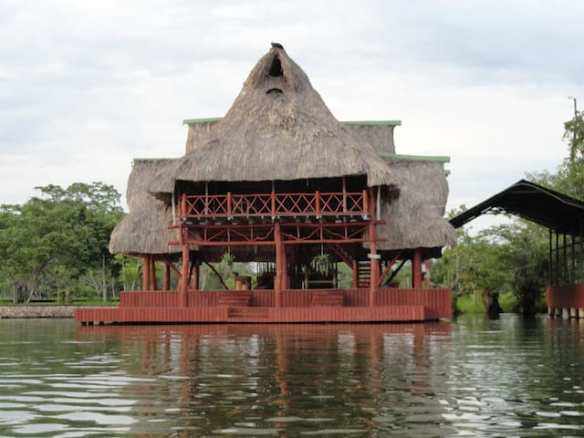 Tropical Paradise on the Rio Dulce for up to 15