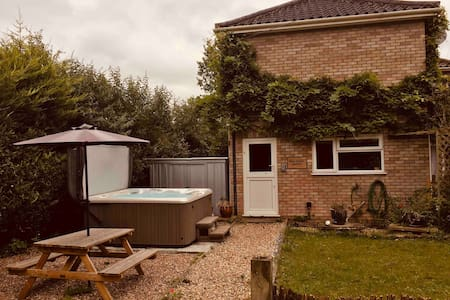2 bed annexe with private garden and hot tub