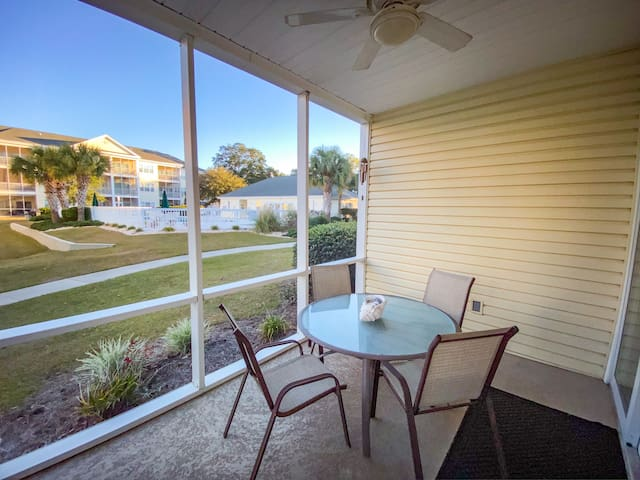 Ocean Keyes. 2 bedroom 2 bath condo walking distance to beach. Sleeps 5. Gated Community. Pool view. Outdoor pool, jacuzzi, fitness center, tennis courts.  No pets, motorcycles, smoking.  Families only.  No student groups.