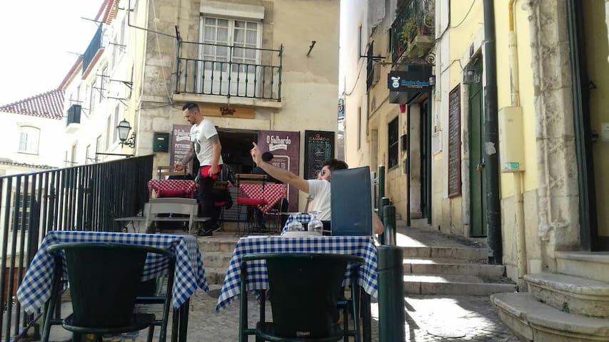 Lisbon cozy flat near Alameda apt1