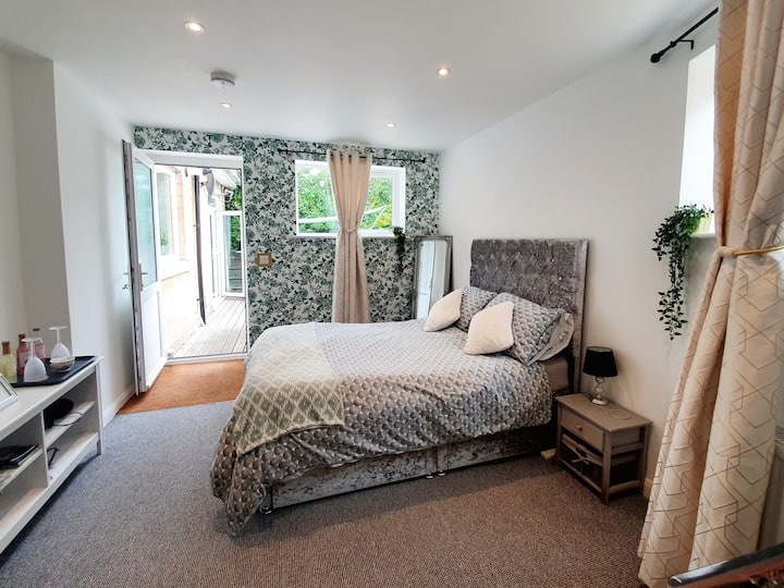Annexe - Ensuite & private entrance - No contact