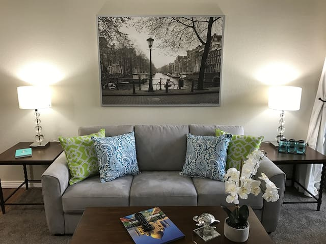 New Salt Lake City/Holladay listing- GORGEOUS - Holladay - Wohnung