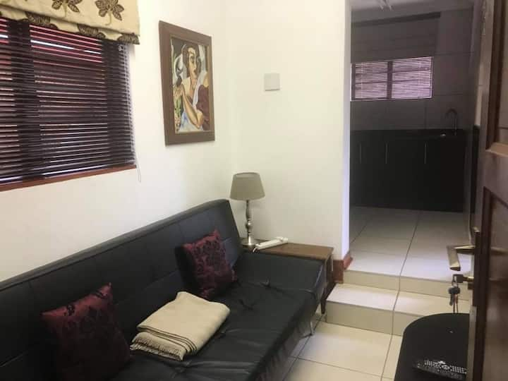 Modern, Secure, Executive Apartment with WIFI/DSTV