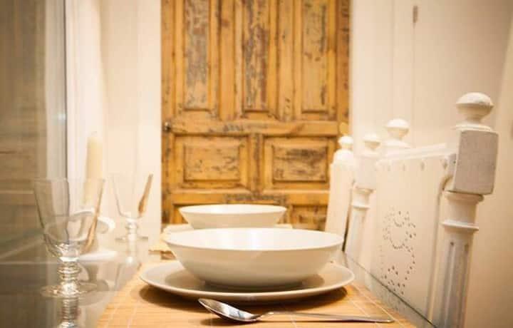 Interiorismo y Diseño Exclusivo. Check-in autónomo