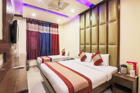 2 budget rooms for near New Delhi railway station