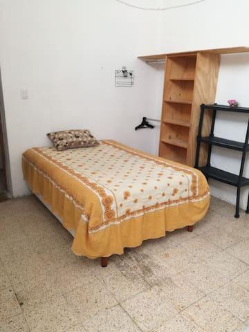 Amplia y comoda habitacion en el centro de Atlixco