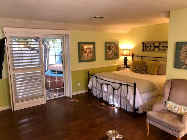 Room 10- Guest Room at Apple Farm Trellis Court