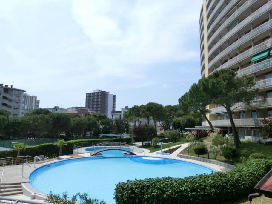 Residence con piscina | Residence with swimming pool