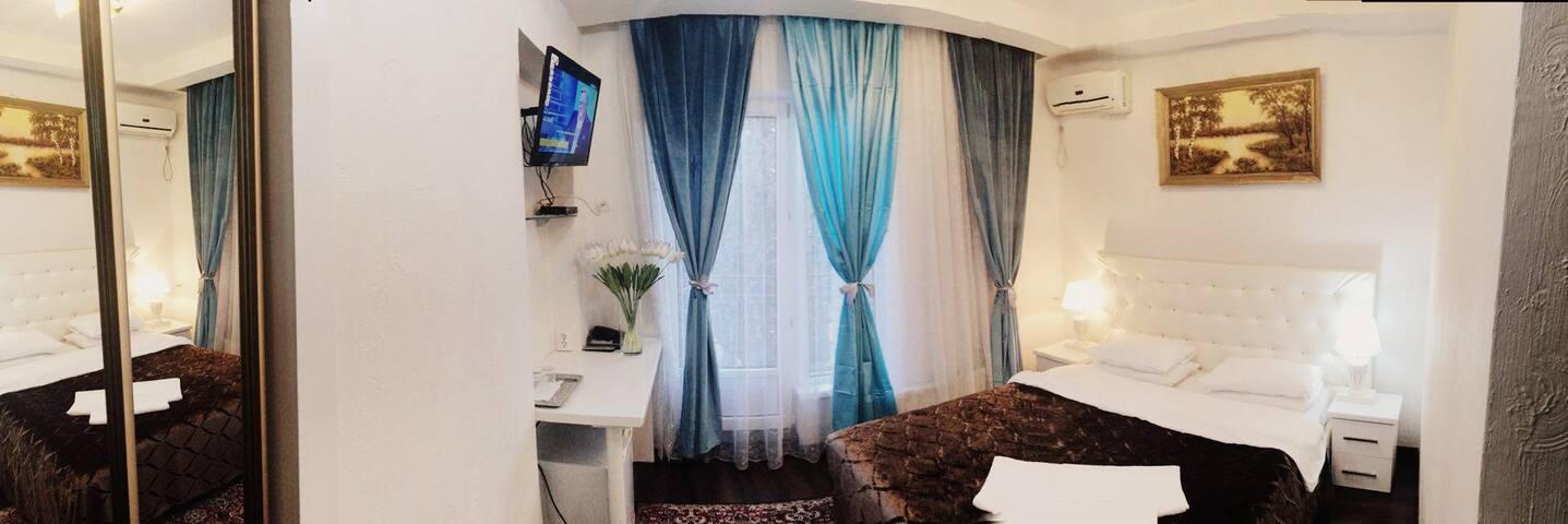 Сдаются комнаты посуточно, почасово - Chisináu - Bed & Breakfast