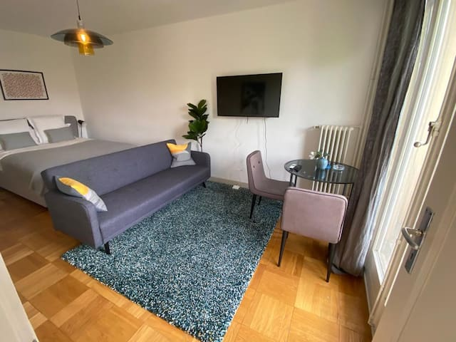 Carouge | Stylish & Central | Studio