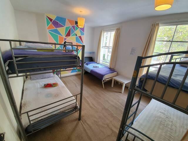 Nice Room Big Ben + Breakfast (R7c)