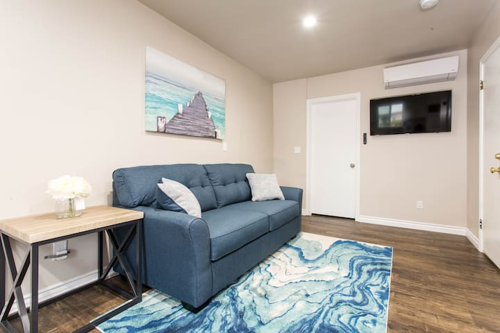 ★Cozy & Quiet near CSUN - Sleeps 4★