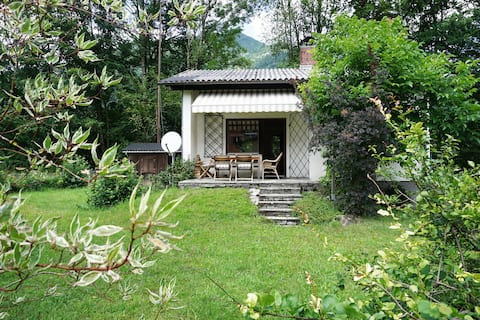 Charming Holiday House with cosy woodstove!