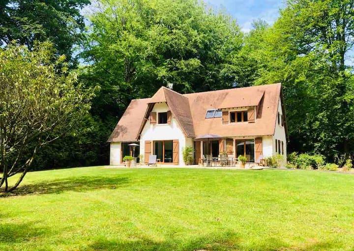 Charmante maison en Normandie au calme en forêt.