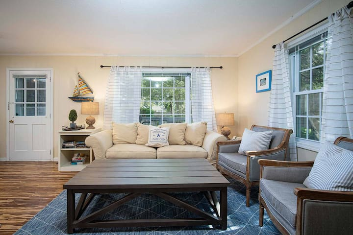 1-Bedroom Cottage at Captain Gosnold Village - Walk to Beach and Main Street (16A)