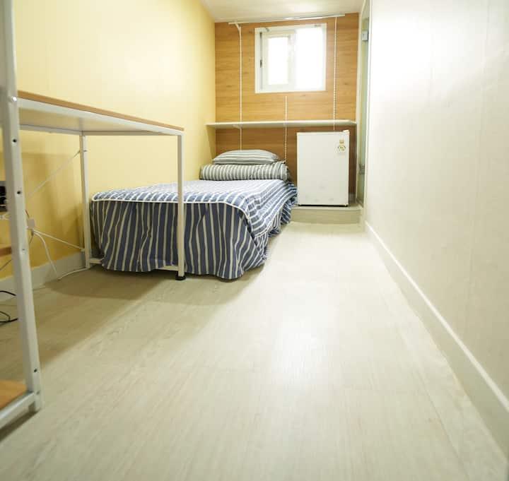 강남역과 접근성이 좋은 1인실, 각방 화장실, 저렴한 가격 #0