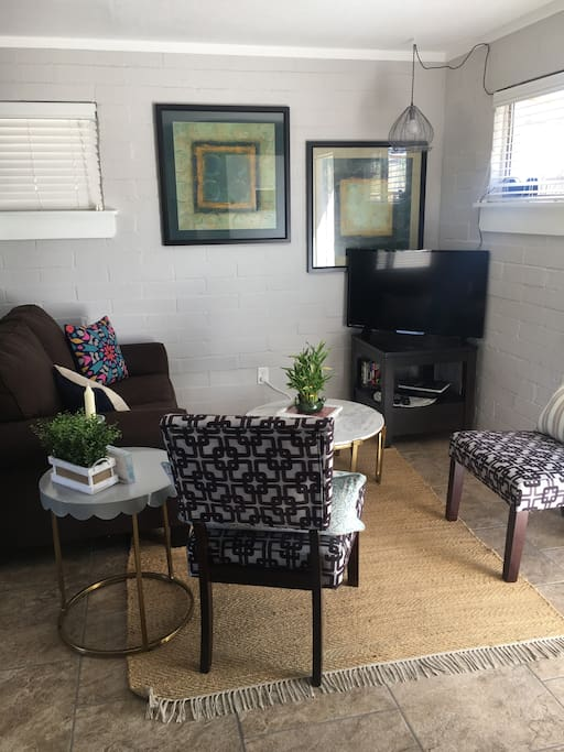 """Living room with Smart 40"""" flat screen"""