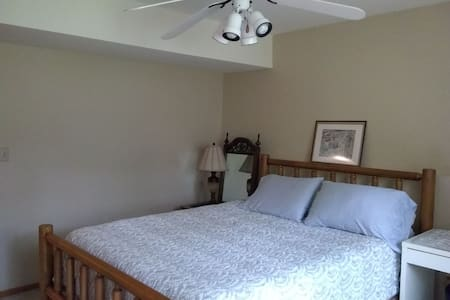 Duck Creek Pines - private room & bathroom