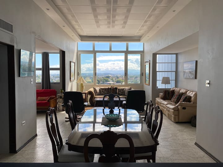 Penthouse in Paradise! 2-Bedroom Condo in Guaynabo