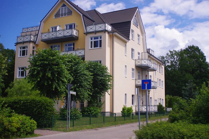 Ferienwohnung am Wald und fast am Strand - Graal-Müritz - อพาร์ทเมนท์