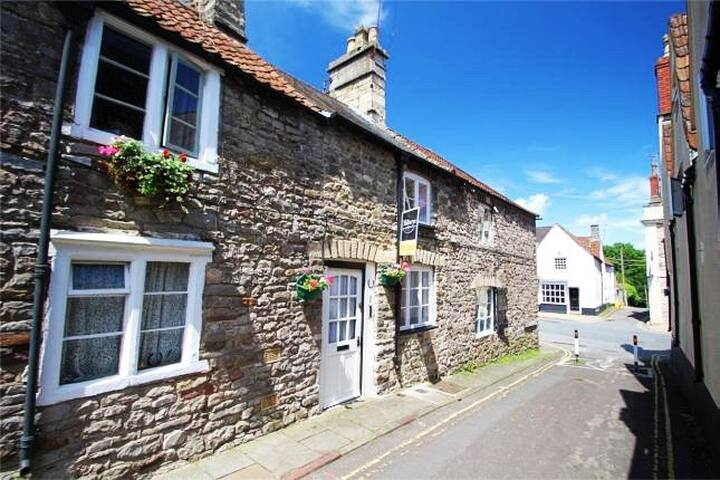 Orlaith's Cottage, Chipping Sodbury BS37 6AP