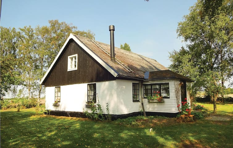 Former farm house with 3 bedrooms on 130m² in Flyinge