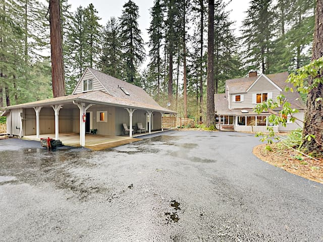 Historic 4BR w/ 200' River Frontage