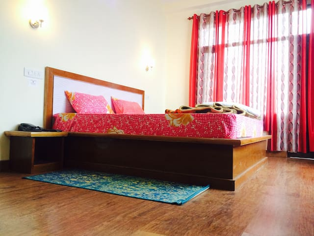 gracious stay with homely atmosphere - Shoghi - Dům