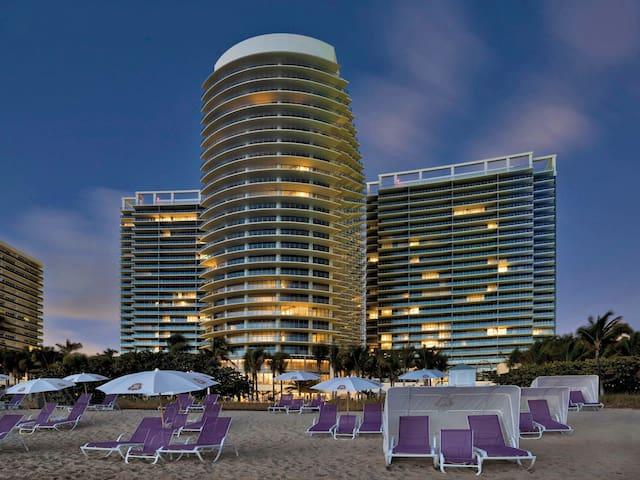 St. Regis- Top 10 USA Hotel- 2 Beds OCEANFRONT 5* - Bal Harbour - Apartment