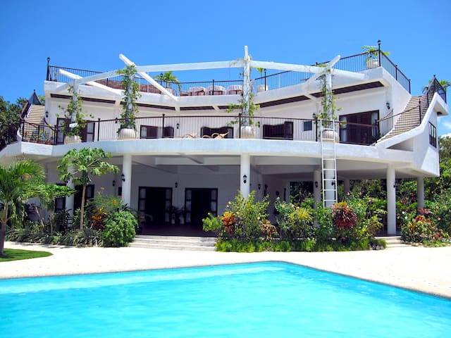 Granada Beach Resort - Adults Only Resort - Oslob - Bed & Breakfast