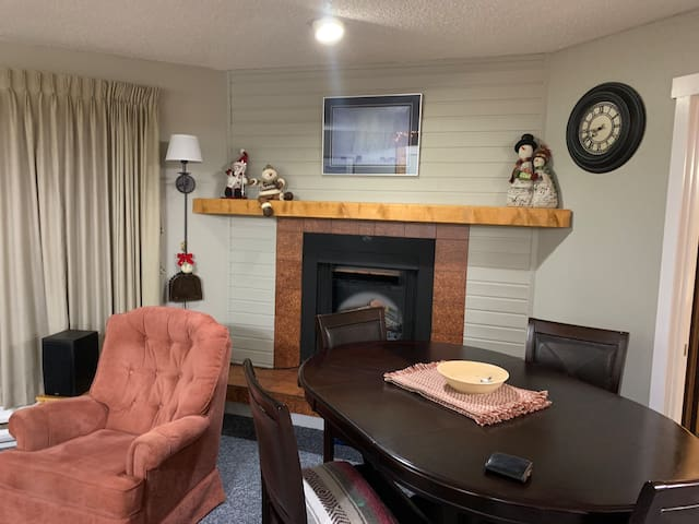 Beautiful ski apartment at Big White