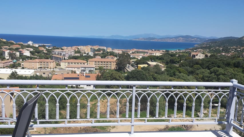 Superbe T3 82 m2 climatisé terrasse 35m2 vue mer - L'Île-Rousse - Condominio