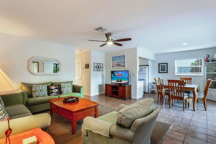 Sanibel Arms Condo, C8