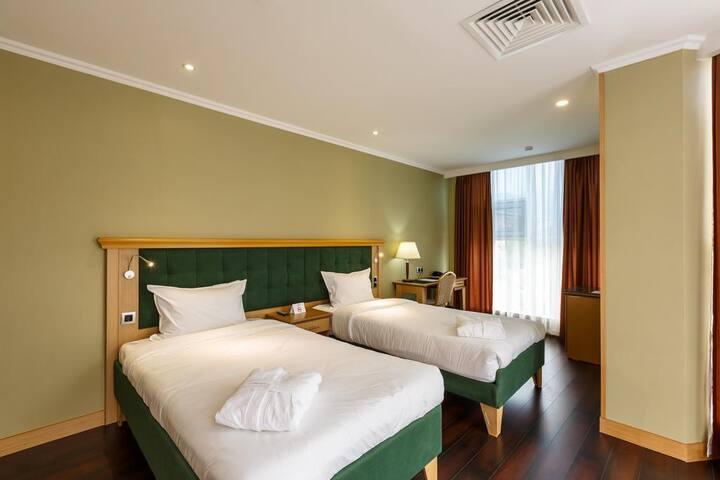 Shera Park hotel