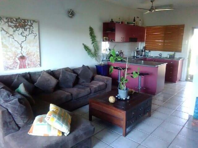Oasis in Larrakeyah