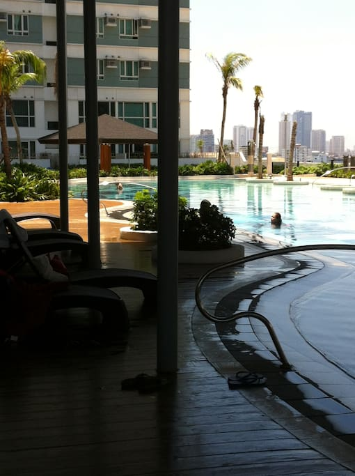 Resort-type pool on the 6th floor