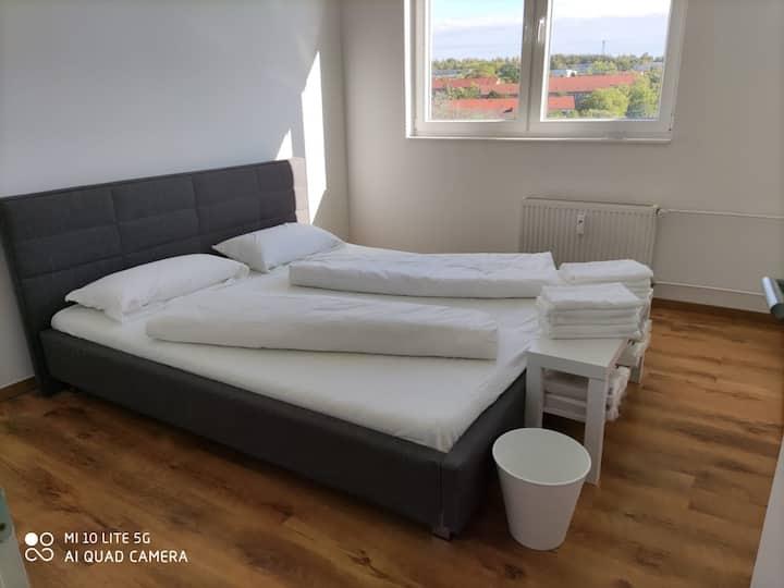 Comfortable 3BR Apartment in Gera | L8 Street