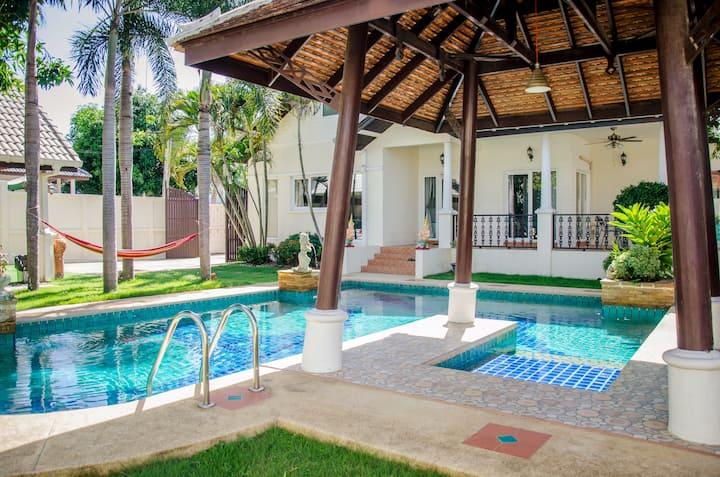 18度假民宿 (5号别墅)-Private Pool Villa 4.5 beds