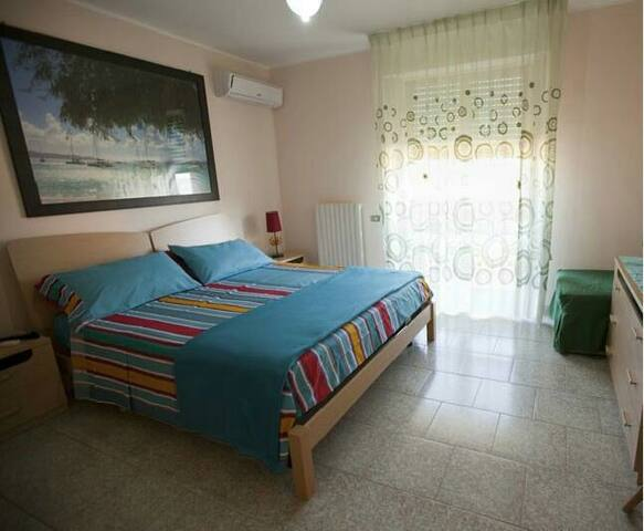 Camera verde singola - Crotone - Bed & Breakfast