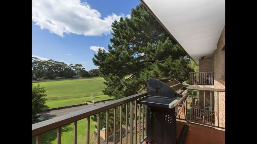 Double bdr,close to transport/beach - Caringbah - Huoneisto