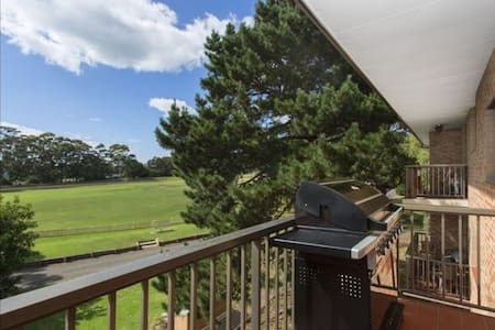 Double bdr,close to transport/beach - Caringbah - Apartment