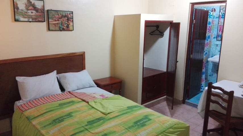 Hotel room in downtown Pucallpa (Executive)