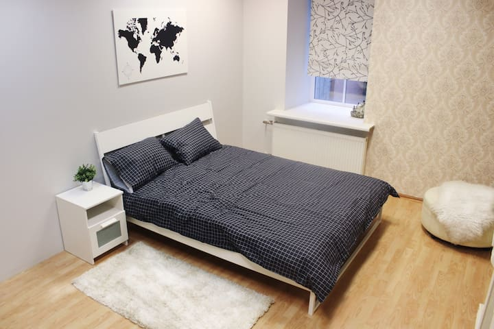 NEW MODERN COSY ROOM IN CITY CENTER