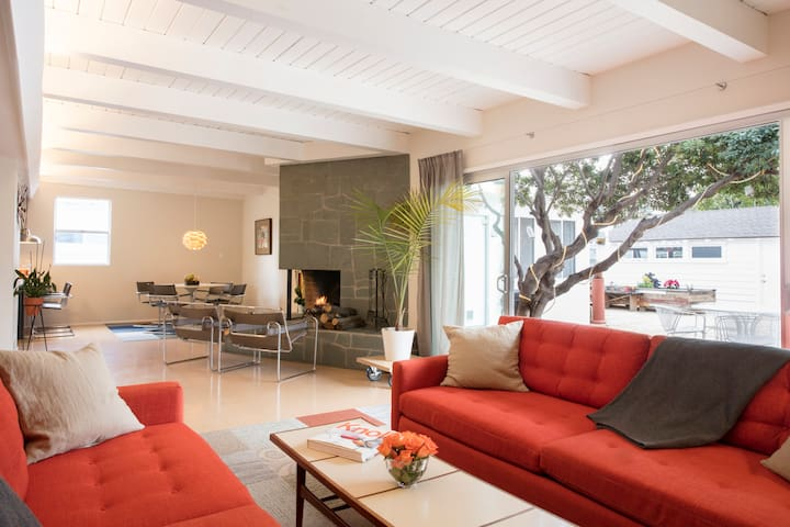 Wonderful Mid Century Modern Home - Long Beach - House